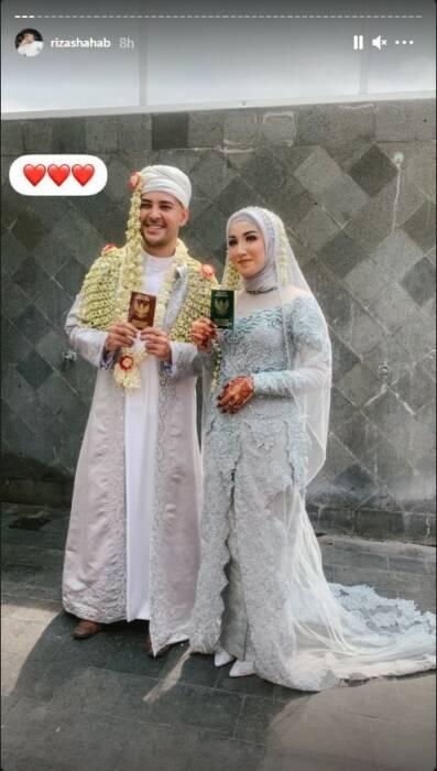 Riza Shahab resmi menikahi kekasihnya